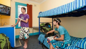 Backpackers Sydney Twin room
